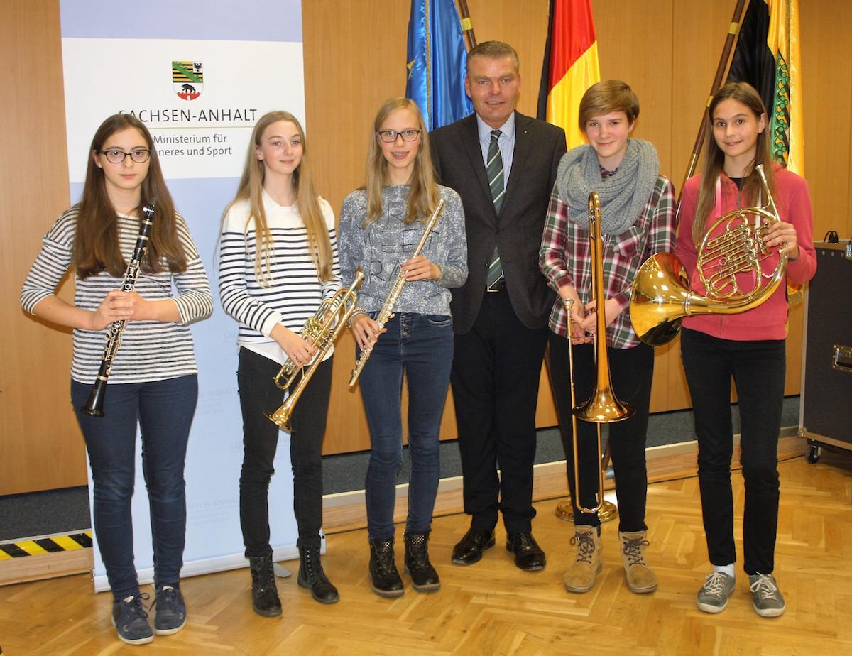 ___Norbigirls mit Innenminister Holger Stahlknecht